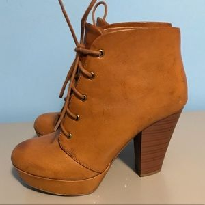 Shoes - Leather lace up ankle boot